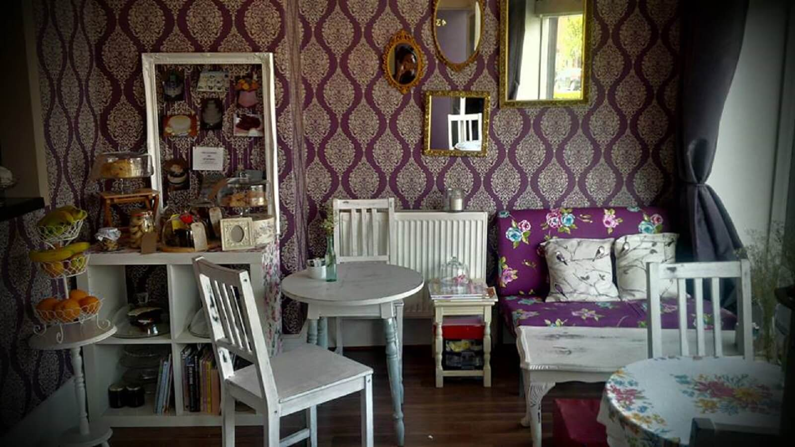Lia's Cakes & Tearoom