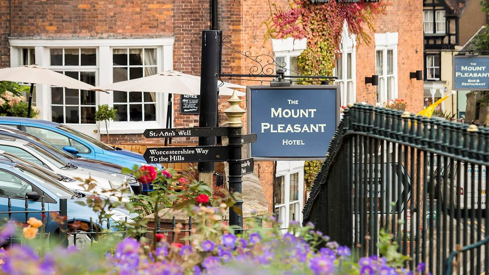 Mount Pleasant Hotel Bar And Restaurant