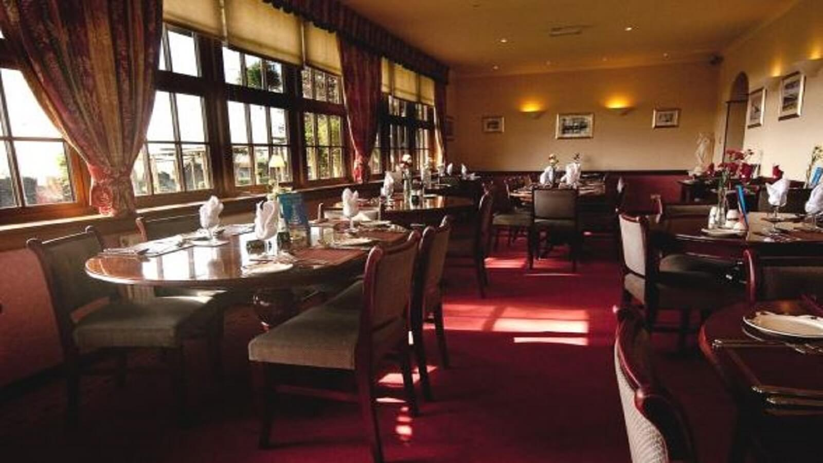 The River View Restaurant @ The Elgin Hotel